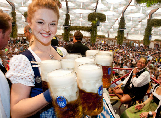 oktoberfest-girl-carrying-beers
