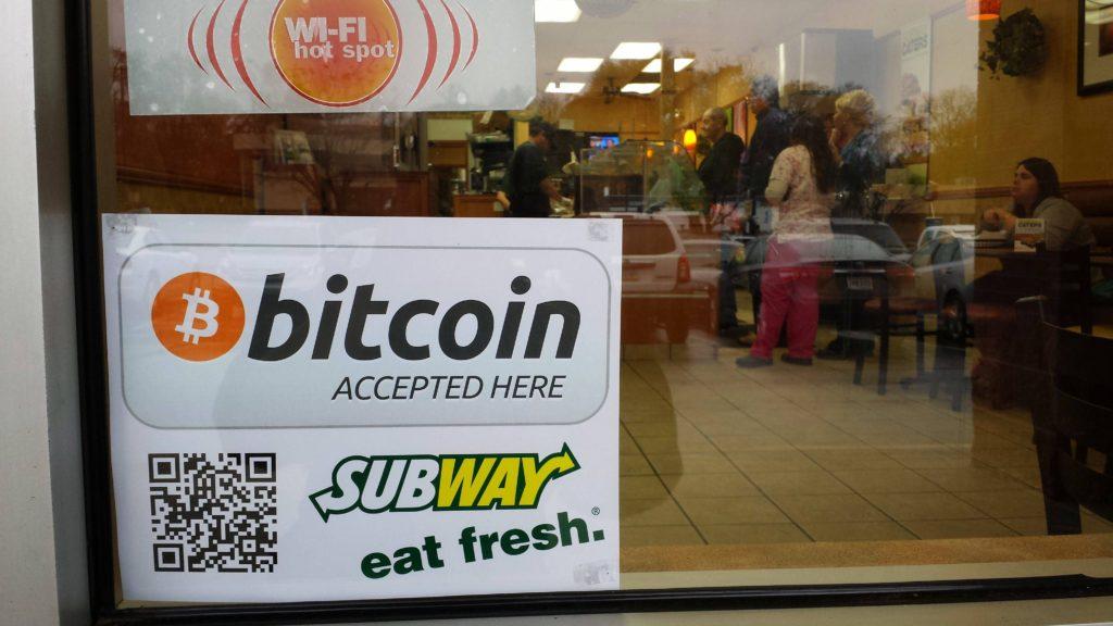 ar žmonės tikrai naudoja bitkoinus